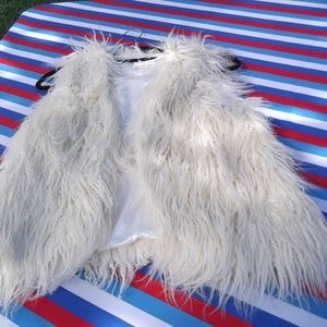 XXI Faux Sheepskin Shaggy Vest Cropped M
